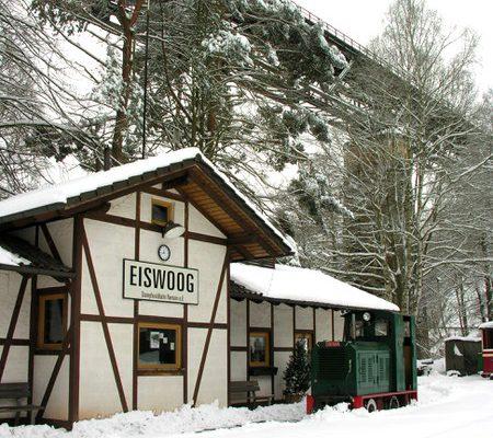 Bahn der SWB im Winter